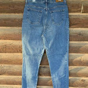 Vintage Mom Jeans / 90's Straight Leg Jeans / High